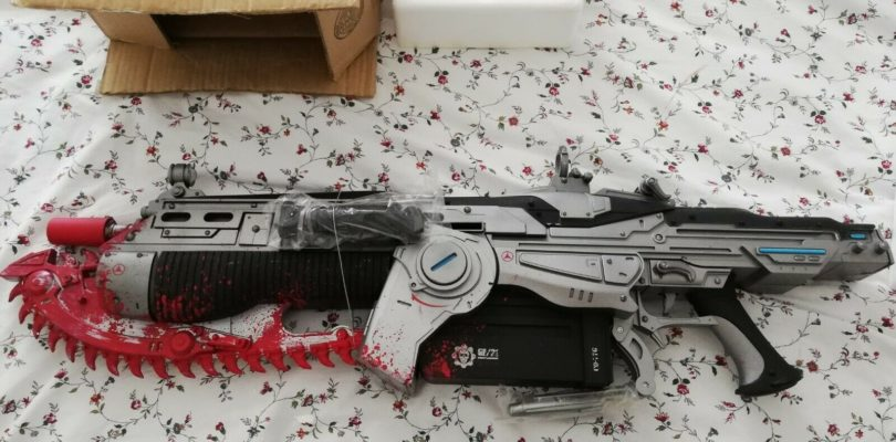 GADGET – Gears Of War Lancer Replica Neca – NEW